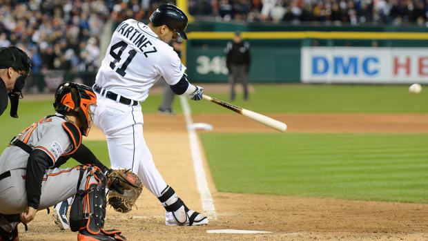 Victor Martinez re-signs with Tigers IMAGE
