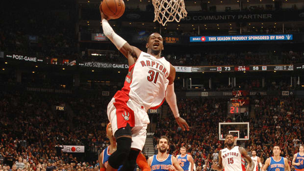 Terrence Ross Raptors dunk white 960