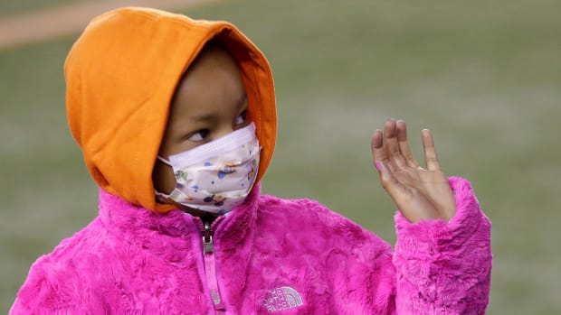 Life Comes Next Moment: Devon Still's daughter attends first NFL game, sees dad play for first time