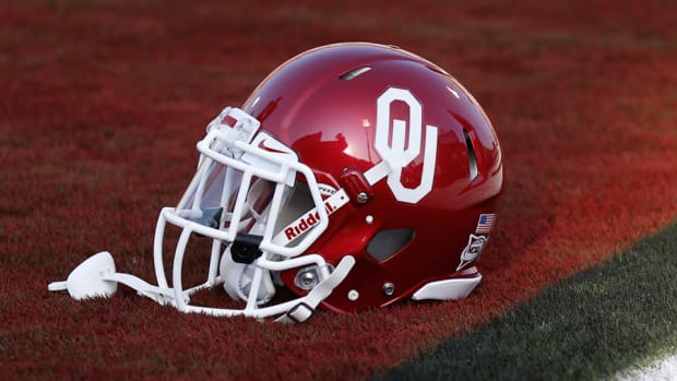 Oklahoma Sooners football helmet