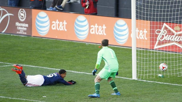 Charlie Davies goal vs. Crew