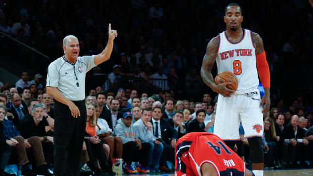 knicks jr smith suspended groin shot