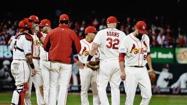 Adam Wainwright Cardinals departs NLCS Game 1