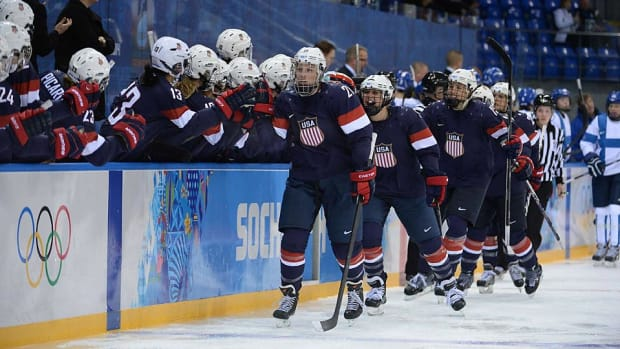 usa-womens-hockey-team.jpg