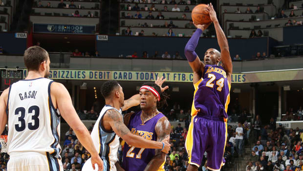 Kobe Bryant sets NBA record for missed shots IMAGE