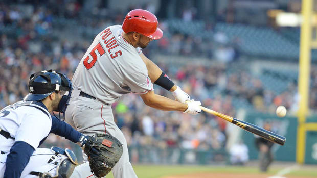 Albert Pujols plays day after groin injury