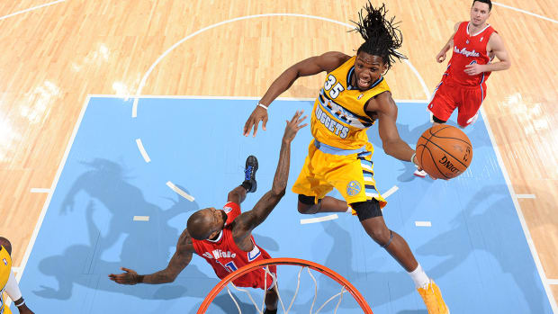 Kenneth Faried signs 5-year extension with Nuggets