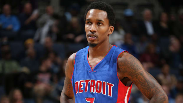 Brandon Jennings submits his entry for worst NBA play of the year IMAGE