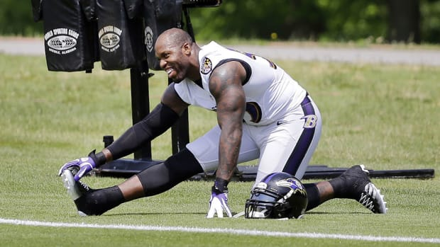 Terrell Suggs at Baltimore Ravens camp