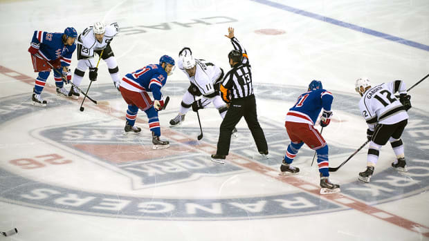 Kings_Rangers_SCF_faceoff_960.jpg