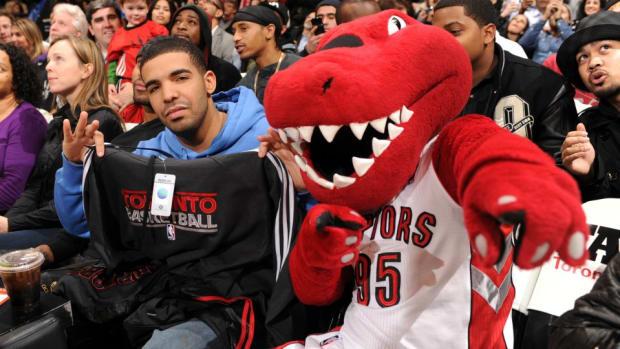 Toronto-raptors-drake-night.jpg