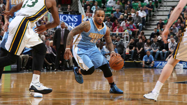 Report: Nuggets re-sign Jameer Nelson to three-year contract IMAGE