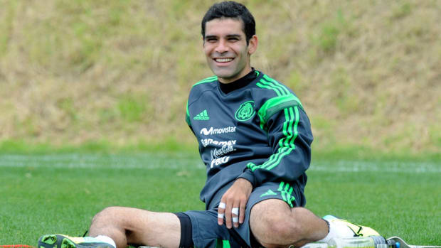 rafa-marquez-injury-mexico-vs-usa.jpg