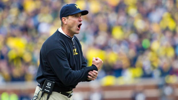 jim-harbaugh-dog-halloween-costume.jpg
