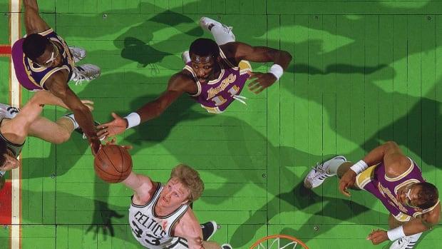 1985-0527-Larry-Bird-James-Worthy-Bob-McAdoo-Kareem-Abdul-Jabbar-001310559.jpg