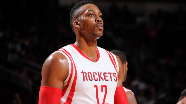 Report: Dwight Howard to seek second opinion on injured knee IMAGE