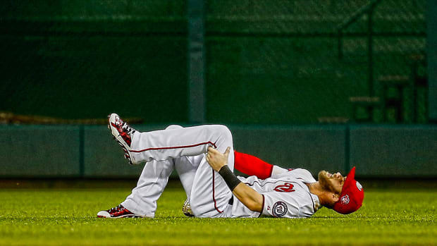 Nationals RF Bryce Harper leaves game with hamstring strain IMAGE
