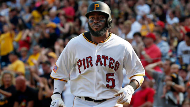 josh-harrison-pirates-infielder-thumb-injury.jpg