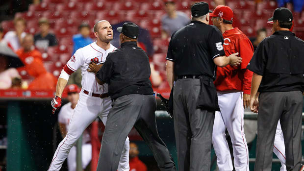 Cincinnati Reds first baseman Joey Votto suspended two games by MLB--IMAGE