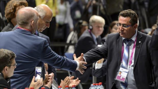 israel-handshake-peace-fifa.jpg