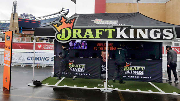 fanduel-draftkings-illegal-gambling-shut-down-banned-new-york.jpg