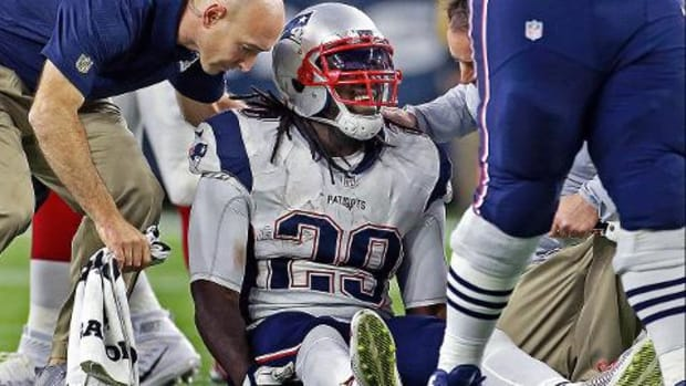 Reports: Patriots' LeGarrette Blount (hip) out for season--IMAGE