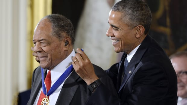 willie-mays-yogi-berra-presidential-medal-of-freedom-barack-obama.jpg