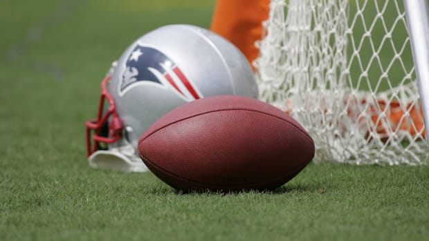 Patriots employees implicated in Deflategate reinstated by NFL--IMAGE