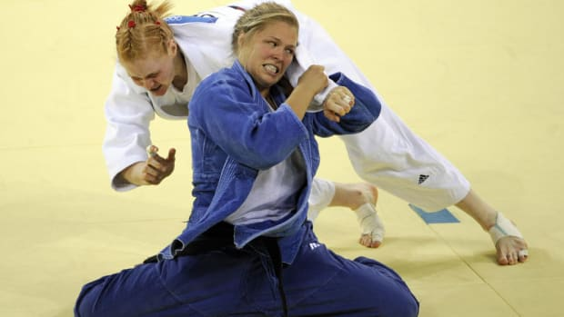 ronda-rousey-2008-olympic-bronze-medal-match.jpg