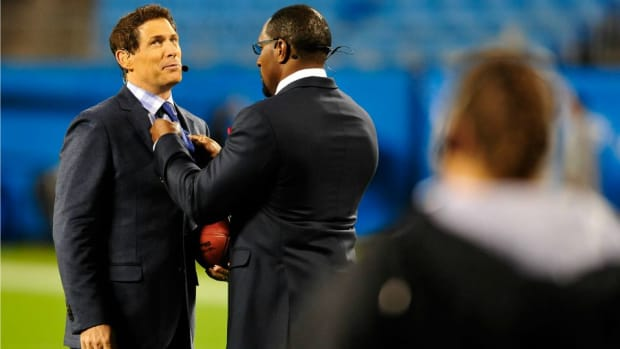 steve-young-ray-lewis-monday-night-football.jpg