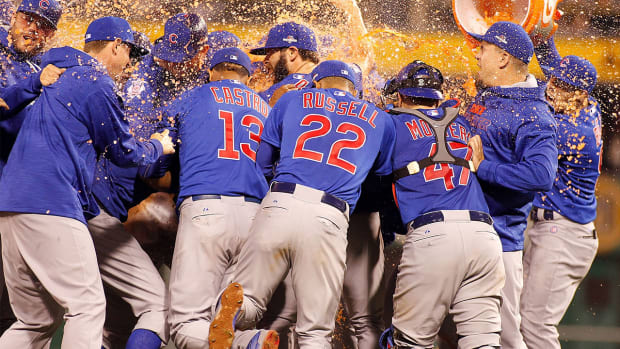 Chicago Cubs defeat Pittsburgh Pirates, advance to NLDS - IMAGE