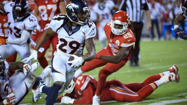 bradley-roby-touchdown-jamaal-charles-fumble-broncos-chiefs.jpg