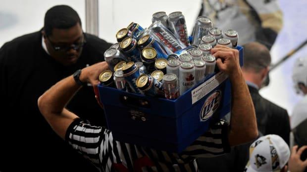 Minor league hockey team hosts dollar beer night