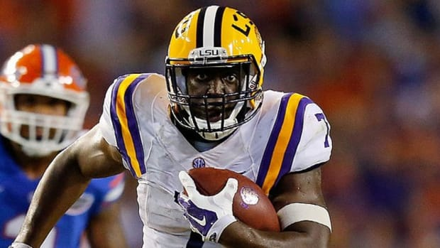 Led by Leonard Fournette, LSU shows fight; Kent State kicker April Goss just one of the guys