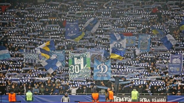 dynamo-kiev-fans.jpg