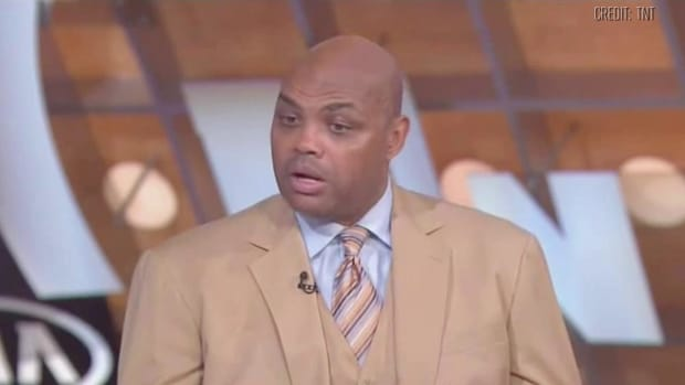 Warriors tease Charles Barkley with shirt - IMAGE