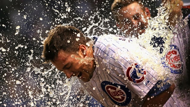 cubs-rockies-kris-bryant-walk-off-home-run-video.jpg
