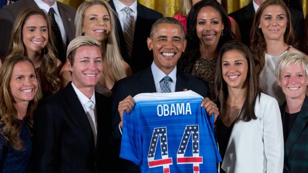 president-barack-obama-abby-wambach-retirement.jpg