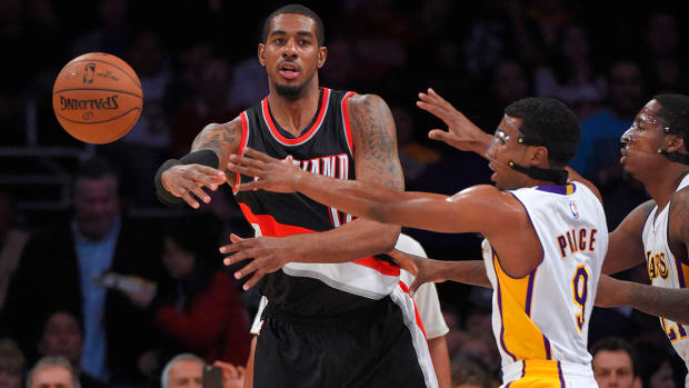 Trail Blazers forward LaMarcus Aldridge (hand) out 6-8 weeks IMAGE