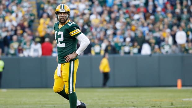 aaron_rodgers_green_bay_packers_struggling_offense.jpg