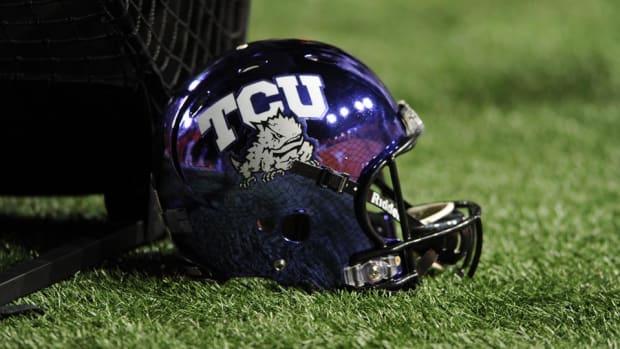 tcu-horned-frogs-helmet.jpg