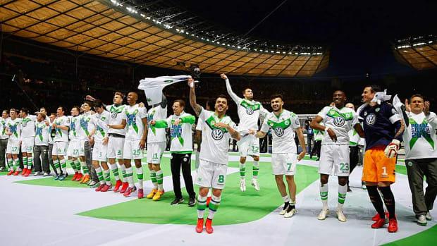 wolfsburg-celebrates-german-cup.jpg