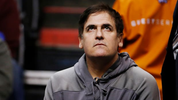 Report: Mark Cuban fined $25,000 for publicly discussing Mavs deals--IMAGE