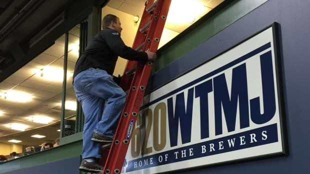 milwaukee-brewers-radio-broadcasters-trapped.jpg