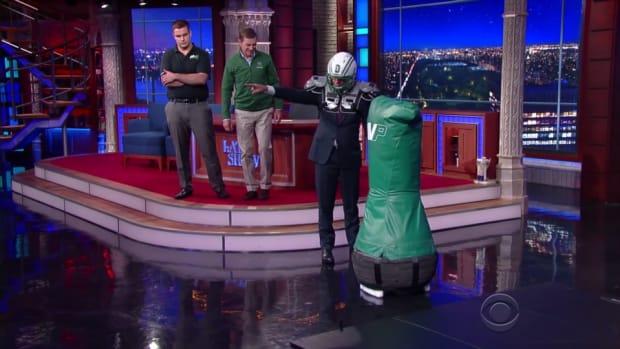 stephen-colbert-late-show-dartmough-football-robot.jpg