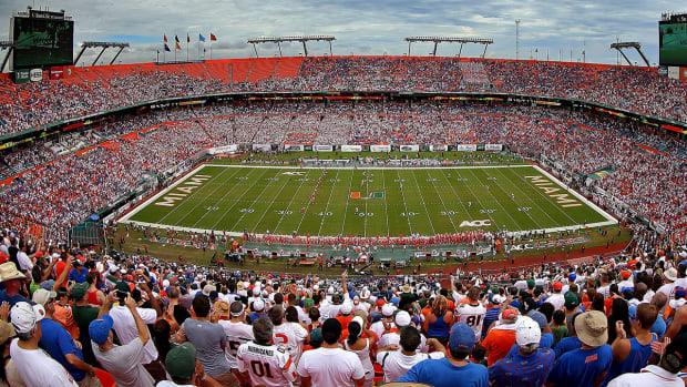 #DearAndy: Is Miami's stadium hurting recruitment? IMAGE