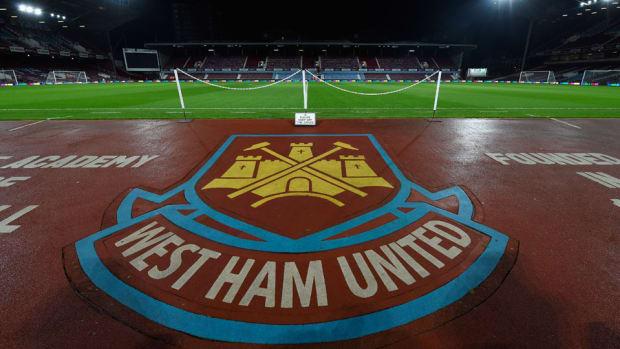 west ham threatens ban fans anti semitic chants