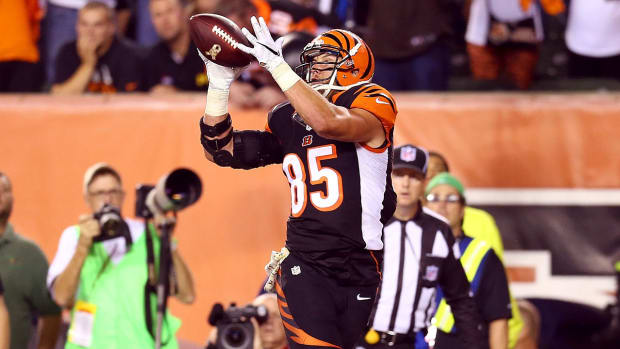 MMQB Extra: Teams finding success with their TE's IMAGE
