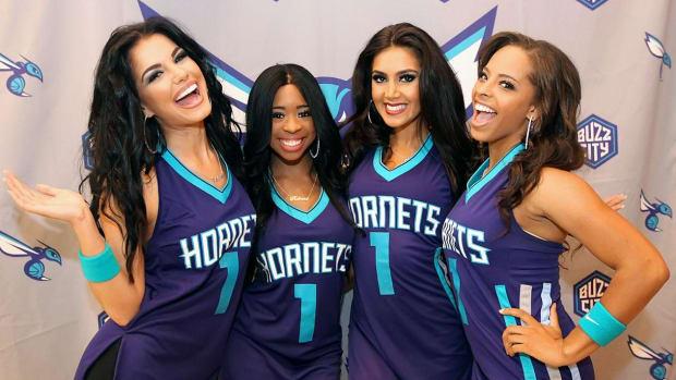 Charlotte-Hornets-Honey-Bees-dance-team-BY4_0704_0.jpg