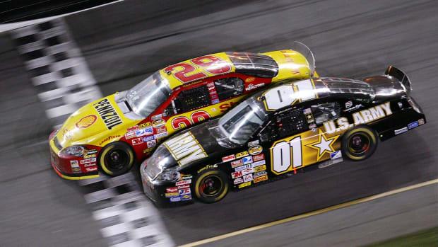 2007-Daytona-500-Kevin-Harvick-Mark-Martin.jpg